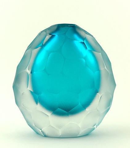 Ručně broušená váza Invidia z muránského skla